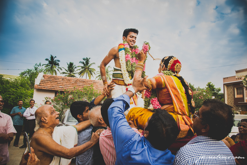 Vasanth and Banu Brahmin Iyer Tamil Wedding at Coimbatore - Candid Wedding Photography at Coimbatore by the best Candid Wedding Photographer in Coimbatore