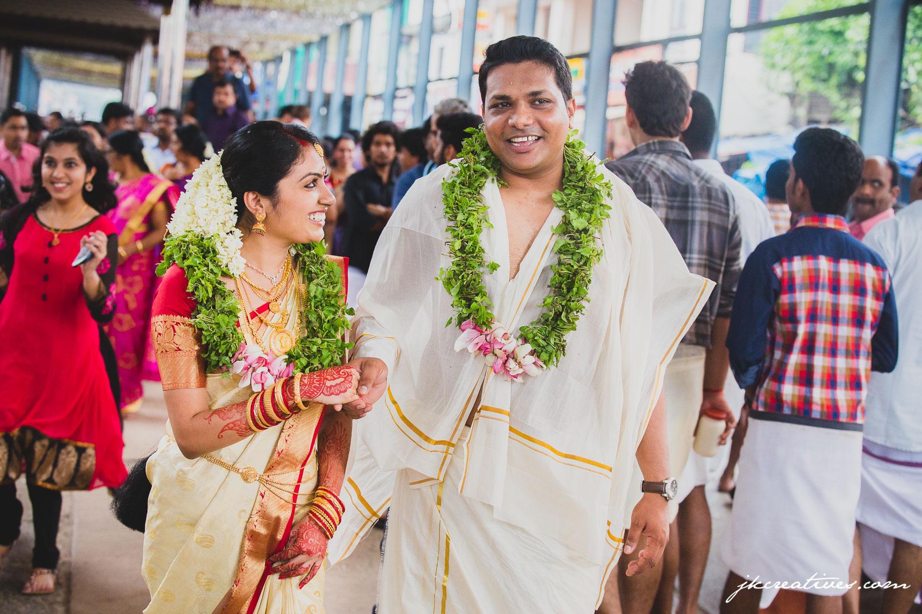 Arun & Manju - Kerala Hindu Wedding at Guruvayoor Temple - Candid Wedding Photography by Best Candid Wedding Photographer_Coimbatore, Chennai, Bangalore, Tamil Nadu, Hyderabad,Kerala