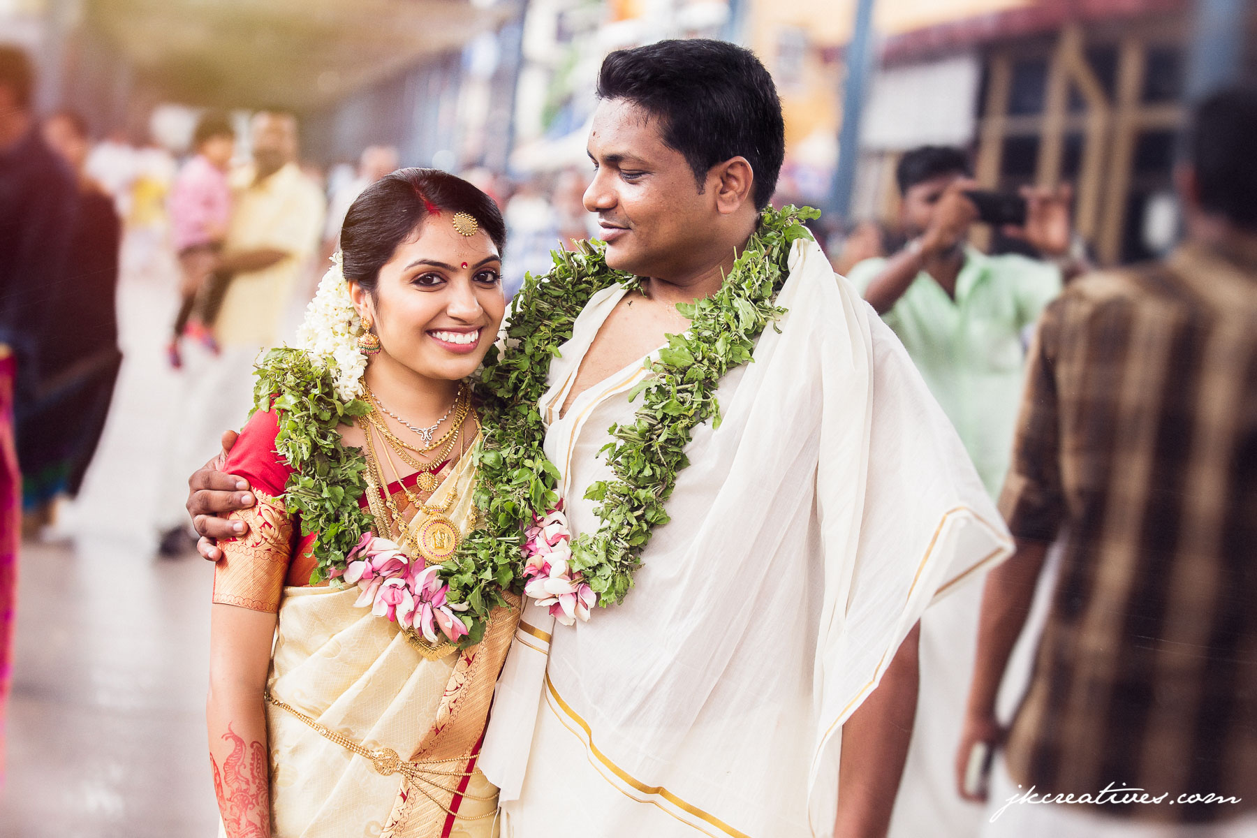 Arun & Manju - Kerala Hindu Wedding at Guruvayoor Temple - Candid Wedding Photography by Best Candid Wedding Photographer_Coimbatore, Chennai, Bangalore, Tamil Nadu, Hyderabad,Kerala