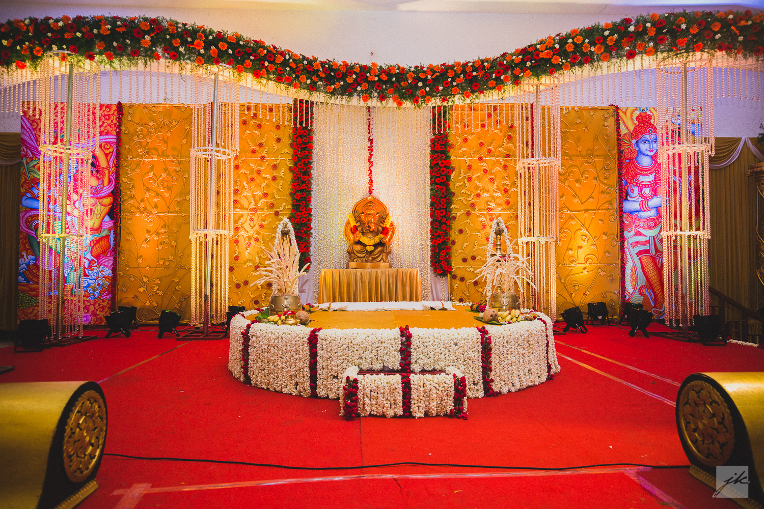 Decoration ideas trendseve home furniture design kitchenagenda kerala wedding stage decoration rates abm decorators alleppey kerala wedding stage decoration decoration ideas trendseve junglespirit Image collections