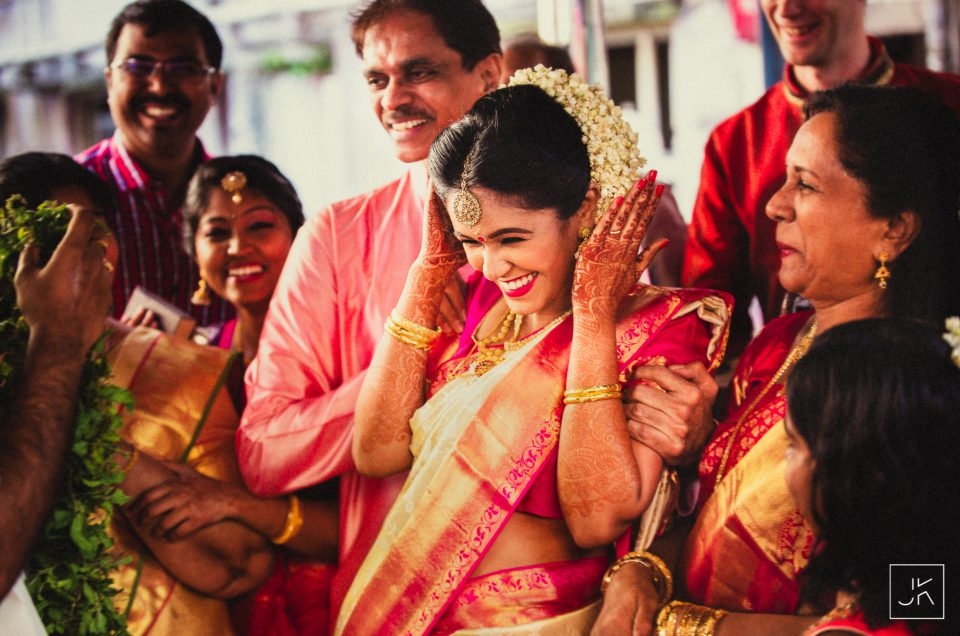 Deepak & Shilpa // Kerala Hindu Wedding // Candid Wedding Photographers in Guruvayur