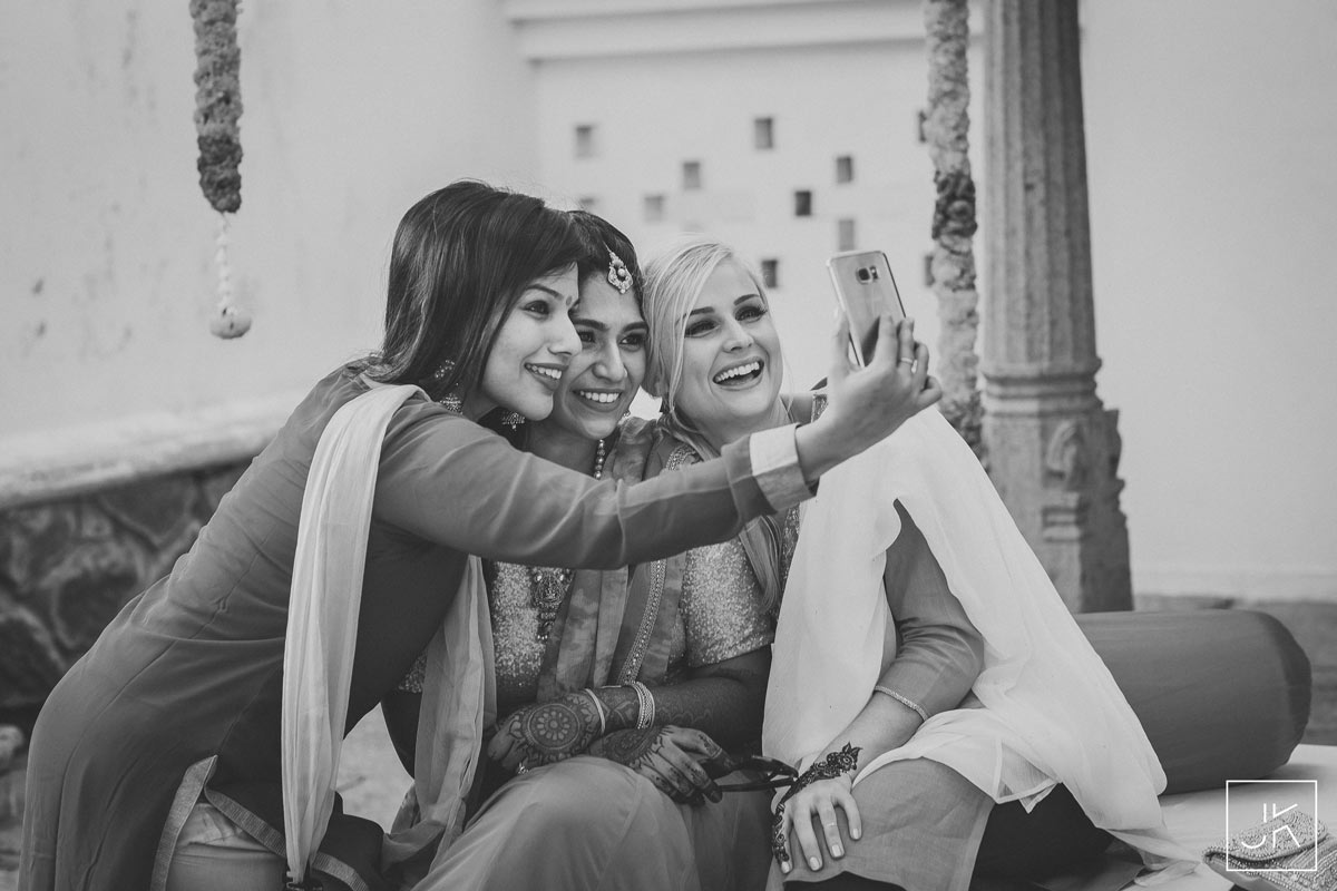 best-candid-wedding-photographer-chennai_025